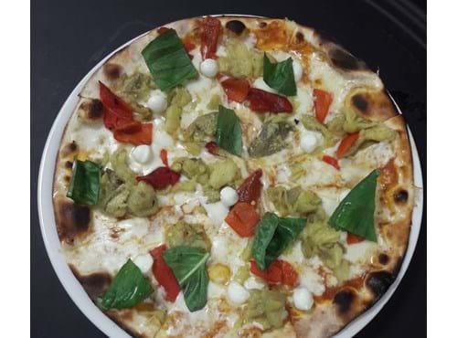 Needion - Köz Patlıcan ve Kapya Biberli Pizza